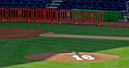 Marlins pitching ace dies in boating accident
