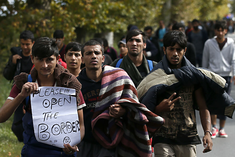 In Serbia, migrants march in protest toward Hungary border - CSMonitor.com