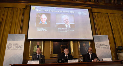 Duo wins Nobel in economics for study of contract theory