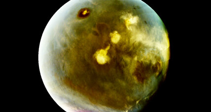 NASA's MAVEN reveals hidden Martian processes through UV imaging