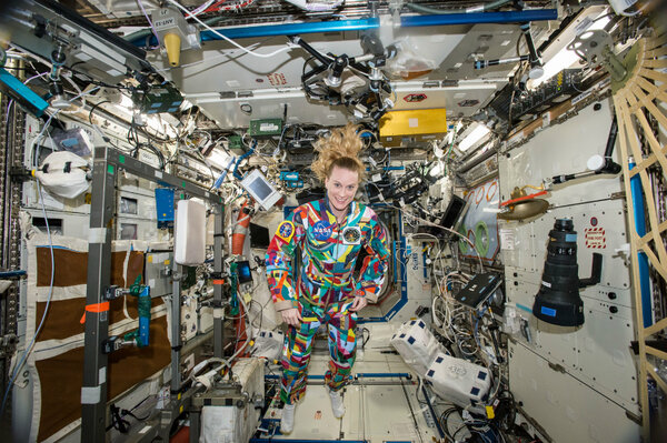 astronaut gives home tour in space - photo #12