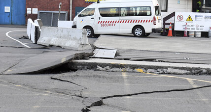 Powerful quake strikes New Zealand, triggering small tsunami