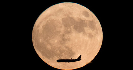 'Supermoon' to illuminate sky beginning Monday morning