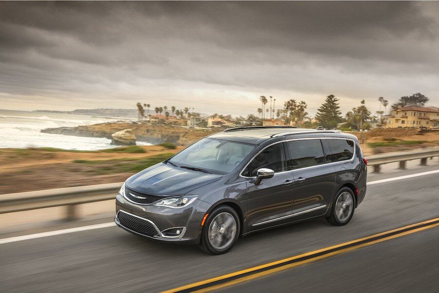 2017 Chrysler Pacifica Hybrid Is The World S First Plugin Minivan Csmonitor