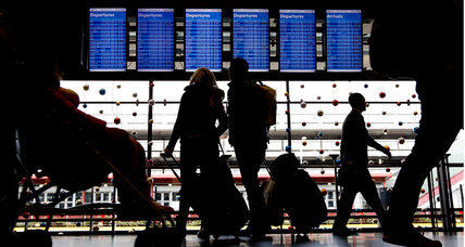 How do New York-area airports rank on ease of holiday travel?