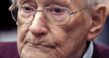 Oskar Groening: German court upholds 'bookkeeper of Auschwitz' conviction