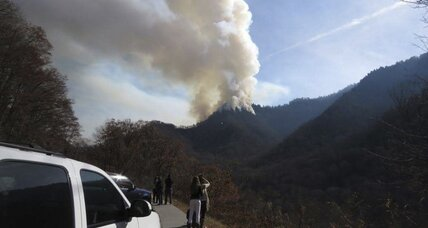 Emergency officials order evacuations as wildfires worsen in Tennessee