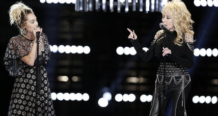 Dolly Parton performs on 'Voice' before 'Christmas Of Many Colors' debut