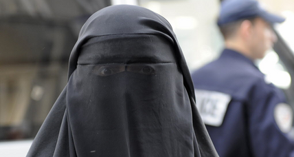 Dutch parliament votes to ban burqa in public buildings