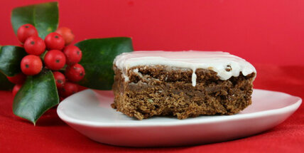 Spiced fruitcake bars