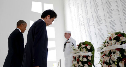 Prime Minister Abe promises peace at the site of Pearl Harbor attack