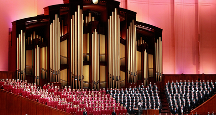 Mormon Tabernacle Choir singer resigns over Trump inauguration