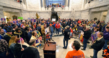 Joining half the nation, Kentucky approves highly debated 'right to work' law