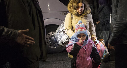As furor over refugees grips US, Canada offers a different way to integrate