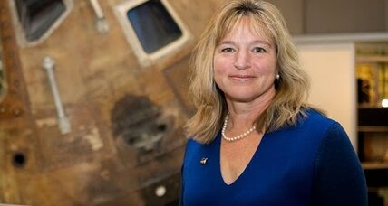 Why is chief NASA scientist, Ellen Stofan, stepping down?
