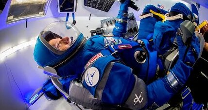 Next-gen spacesuit: Boeing unveils astro-hoodie with touchscreen gloves