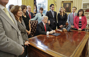 President Trump Poses With Small Business Leaders At The Signing Of An  Executive Order In The Oval Office On Jan. 30, 2017.
