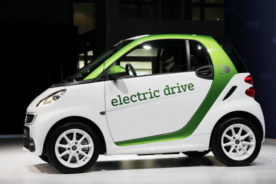 Mercedes Electric Smart Cars Will Replace Gas Powered