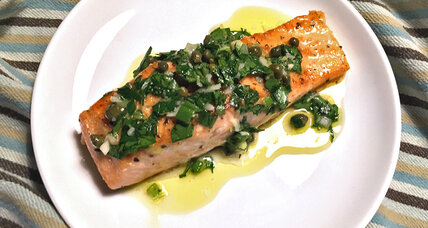 Bright, lively, springlike: Pan-seared salmon with parsley lemon sauce