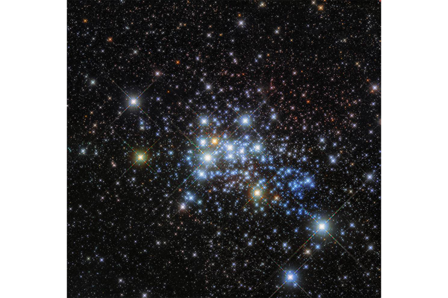 Westerlund 1-26: Hubble finds one of universe's largest stars