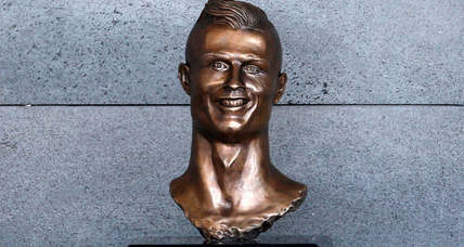 Sculptor creates odd-looking Cristiano Ronaldo bust, and Internet notices