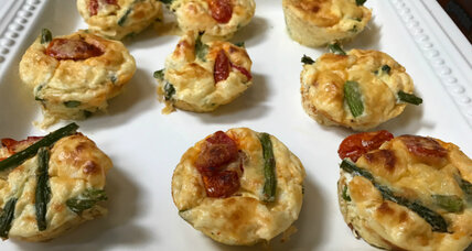 Crustless quiche bites with asparagus and oven-dried tomatoes