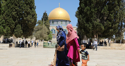 Israelis and Palestinians compete over Muslim tourists