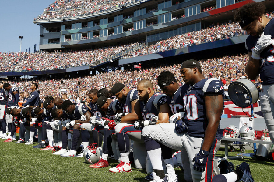 NFL players kneeling during national anthem