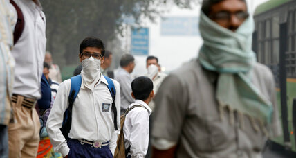 Schools in Delhi close for a week due to smog conditions