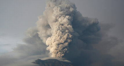 Scientists watch Bali's volcano for signs of eruption