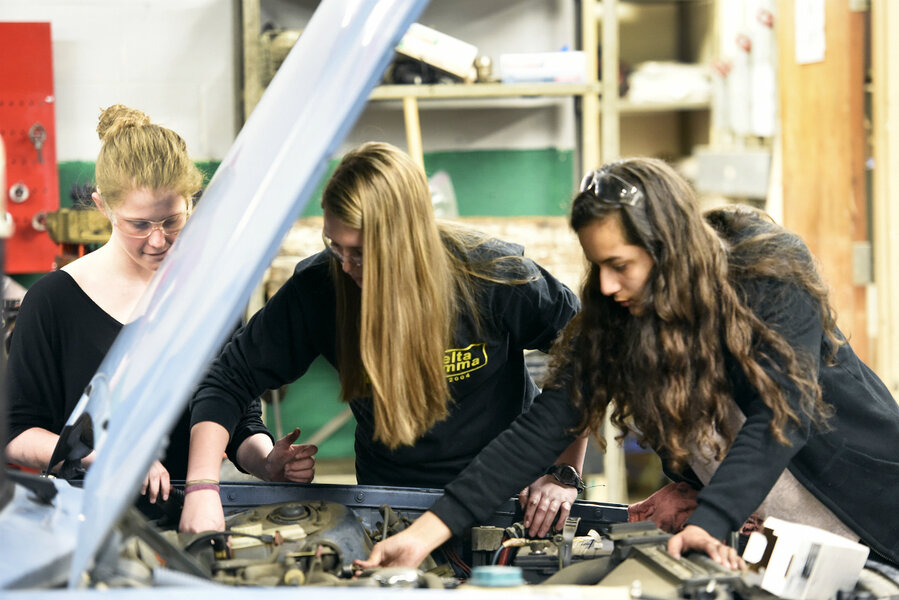 All-girls auto shop class teaches students to be confident, self-sufficient