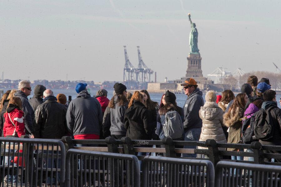 Αποτέλεσμα εικόνας για Is the data revealing 'Trump slump' in tourism accurate?