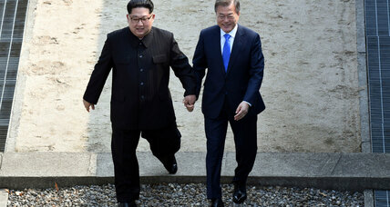 In historic summit, Korean leaders repeat commitment to denuclearize