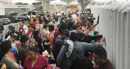 Asylum-seekers line up at US-Mexico border