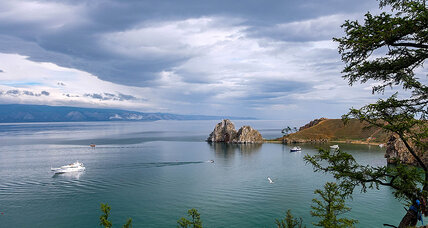 At Asia's heart, Lake Baikal stirs Russians to protect nature