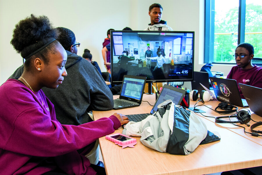 More girls, African-Americans enroll in AP computer science. Why that matters.
