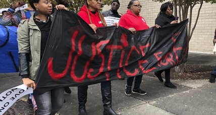 Mayor calls for patience as Alabamians protest police shooting
