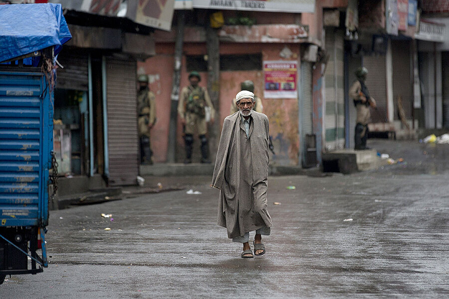 Inside Kashmir's lockdown: Barbed wire and a sense of loss