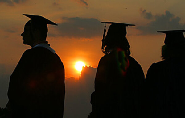 Low graduation rate draws Florida lawsuit