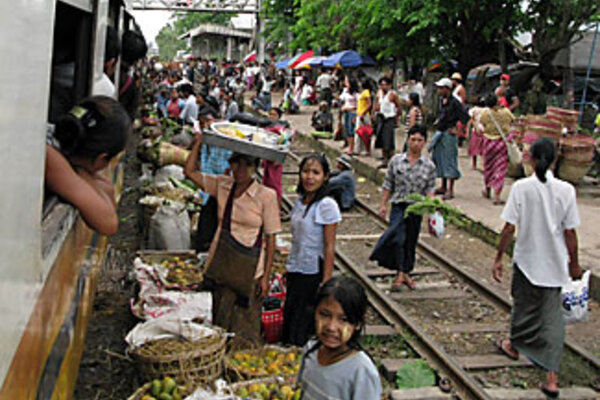 Volunteers send aid through Burma's (Myanmar's) back door