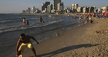 Rise in gay tourism stirs unease in Israel