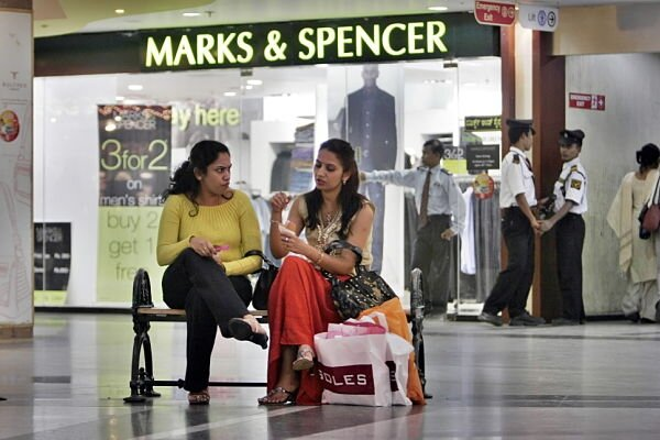indian middle class Writing in the globe and mail the delhi based journalist amrit dhillon paints a  despairingly gloomy picture of the indian middle class to quote.