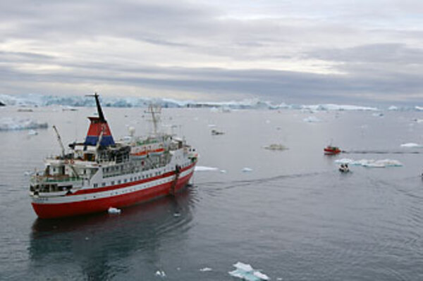 Why did an Antarctic cruise ship sink? - CSMonitor.com