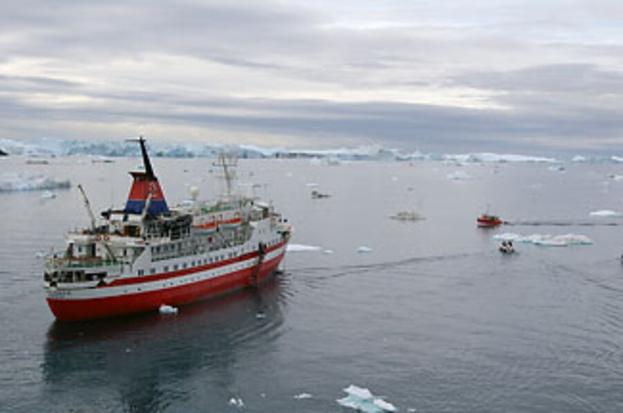 Why did an Antarctic cruise ship sink? - CSMonitor com