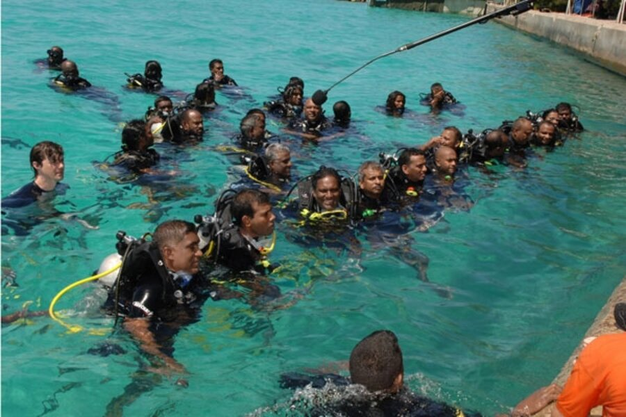 An Underwater Meeting Considers Climate Change Csmonitor Com