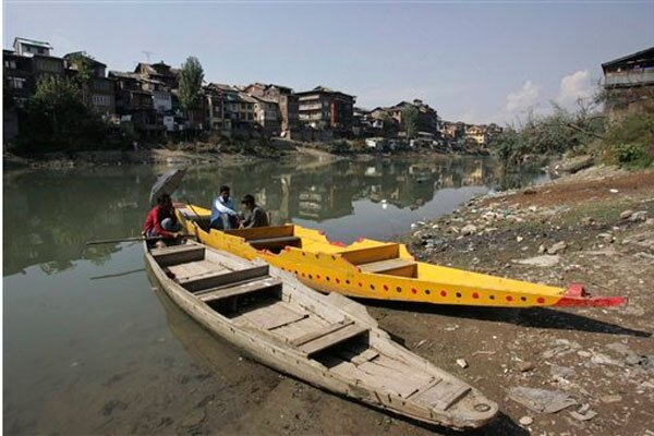 Water supply of millions threatened by melting of Kashmir's glaciers
