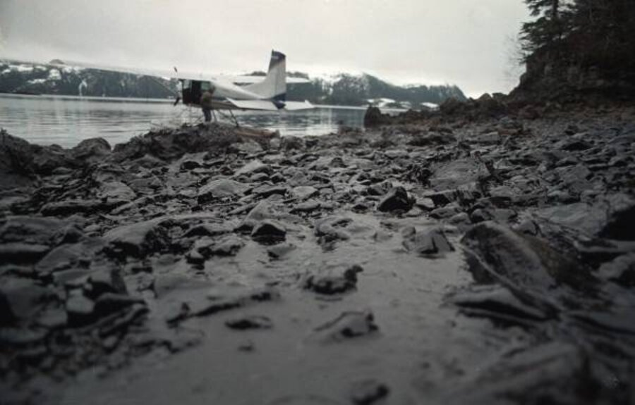 Alaska beaches still have oil from 1989 spill - CSMonitor.com
