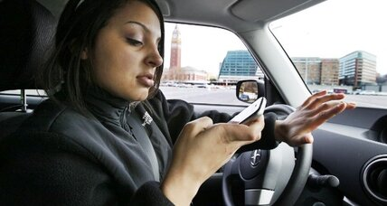 Report: Cell phone distraction causes one in four US car crashes