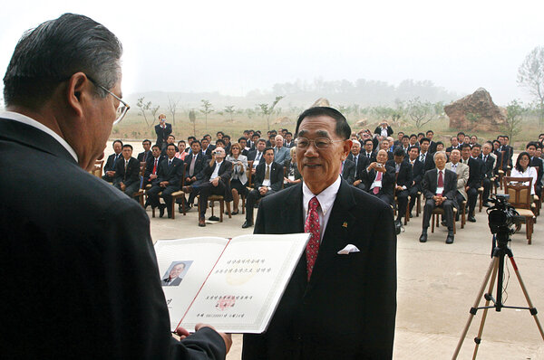 Former prisoner of  North Korea builds university for his former captors