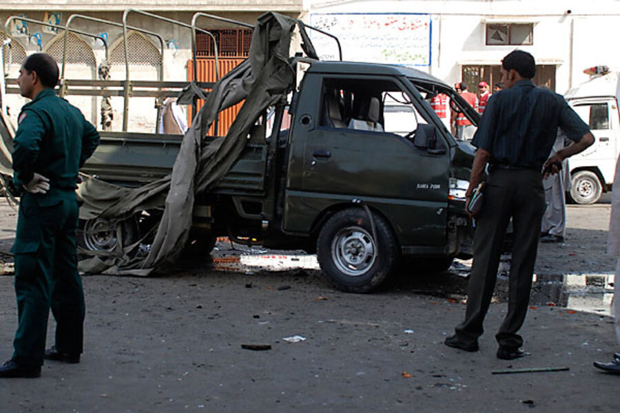 Pakistan: suicide bomb attacks in Lahore cap particularly grim week